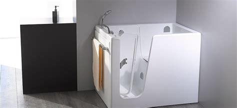 vasca bagno con sportello vasca con sportello per anziani e disabili novabad