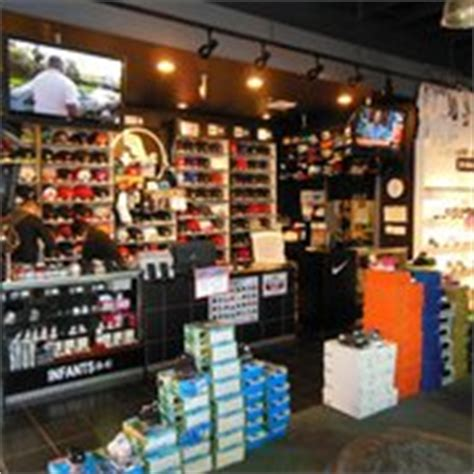 athletes foot shoe stores the athlete s foot last updated june 9 2017 10 photos