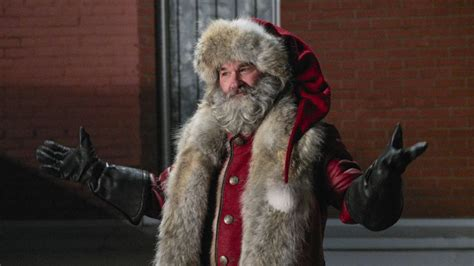 oliver hudson on christmas chronicles kurt russell is a hip new santa in netflix s the
