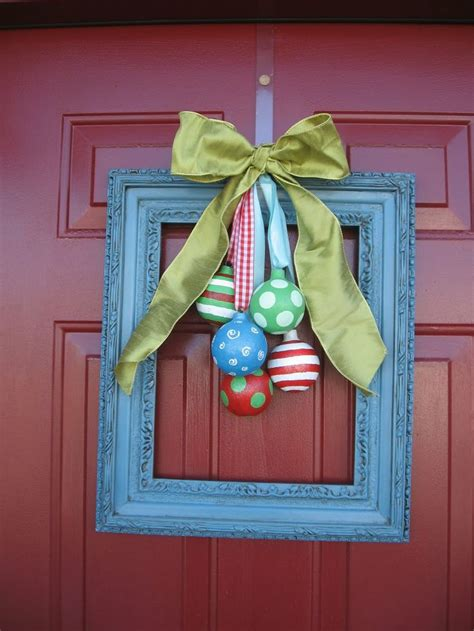 Front Door Hanging Decorations 38 Stunning Christmas Front Door D 233 Cor Ideas Digsdigs