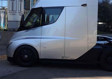 tesla truck tesla showcases semi truck to pepsico employees in