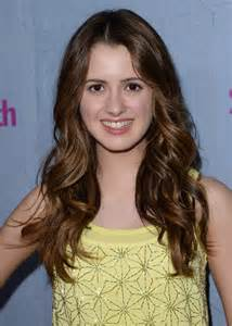 did marano cut hair laura marano long wavy cut laura marano looks stylebistro