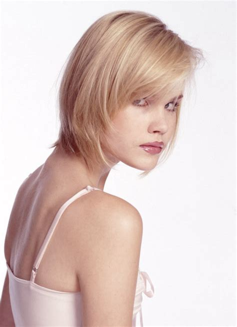 neck length haircut   hair tapered   ends