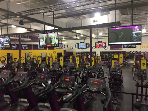greensboro rubber st planet fitness greensboro 14 photos 13 reviews
