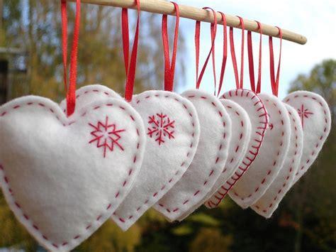 felt christmas ornaments   christmas