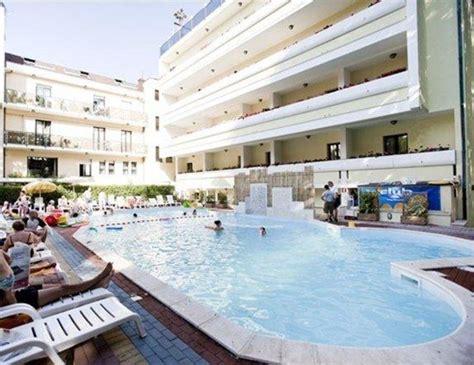 hotel giardino cesenatico quot piscina in giardino quot club family hotel executive