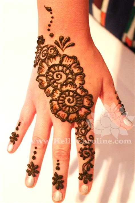 mehndi the art of henna tattoos made easy for everyone