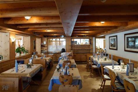 Blauer Und Weißer Speisesaal by Badroom Bild Hotel Astras Scuol Tripadvisor