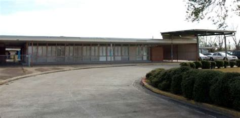 Car Rental Port Arthur Tx by Port Arthur Isd Approves Bond Bids School Relocation