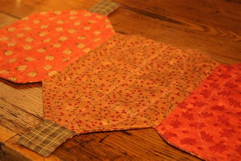 how to make a table runner wendys hat pumpkin table runner sewing