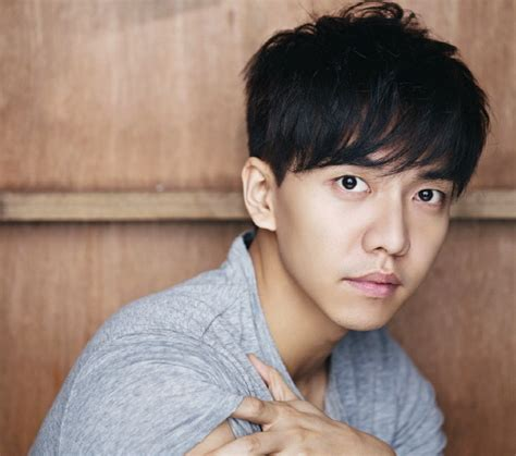 lee seung gi makeup lee seung gi s reps request police investigation of source