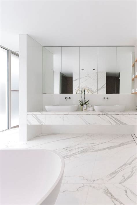 modern white bathroom ideas best 25 marble bathrooms ideas on modern