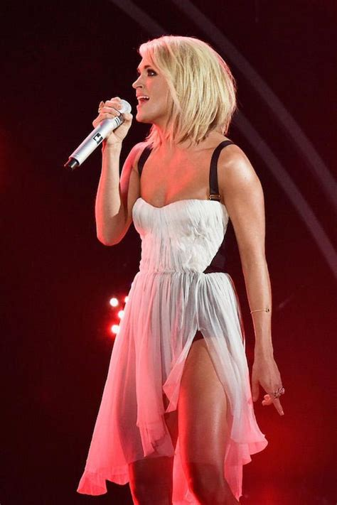 carrie underwood 2016 body carrie underwood s trainer erin oprea shares workout