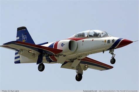aidc at 3 tzu chung advanced jet trainer roc aircraft air aircraft