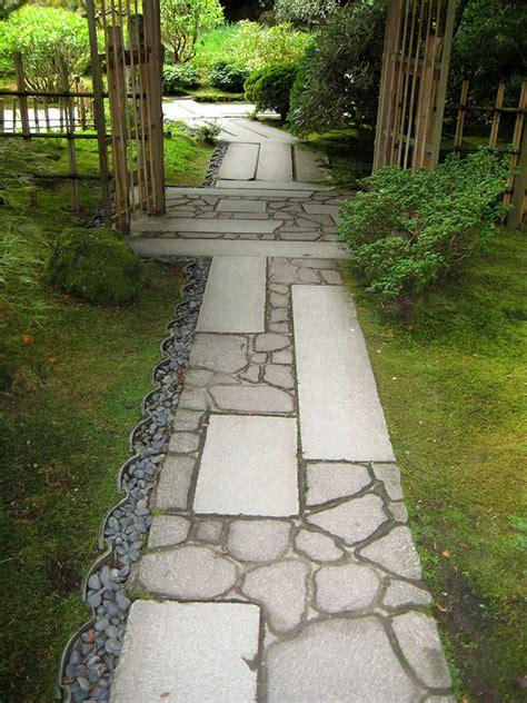 edging for japanese gardens walkways in the portland japanese garden 3