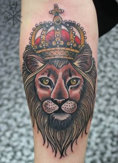 traditional lion tattoo crown traditional www pixshark images