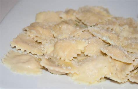 come cucinare ravioli ravioli di ortiche e ricotta ricette di cucina