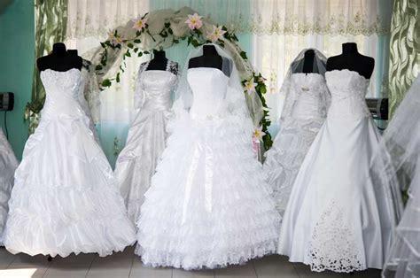 hochzeitskleid dicke oberarme welches brautkleid ausw 228 hlen klassisch elegant oder modern