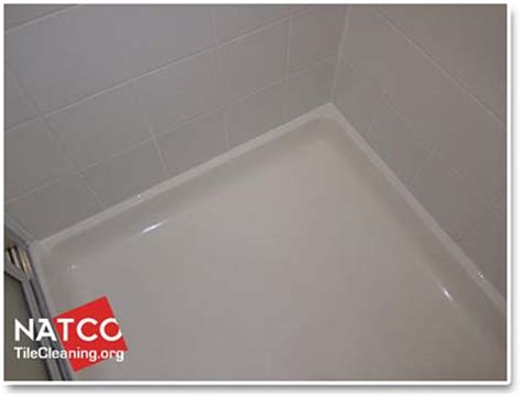 how to clean and remove soap scum on fiberglass shower pan