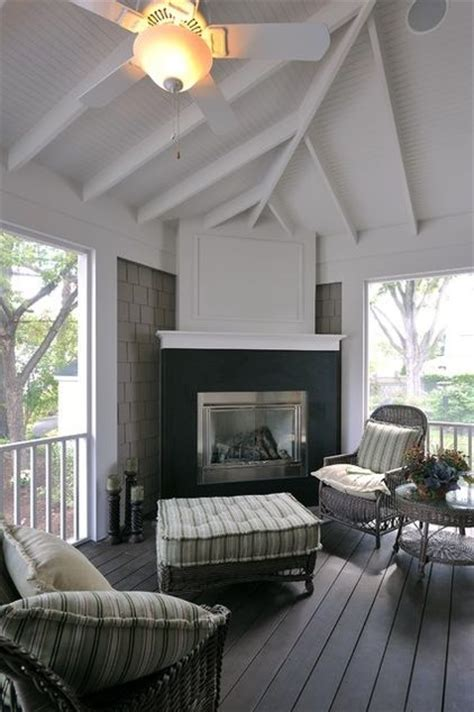 outdoors do you have a four season room or lanai that