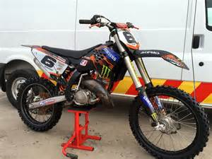 Yz 125 Vs Ktm 150 450 2 Stroke Pictures To Pin On Pinsdaddy