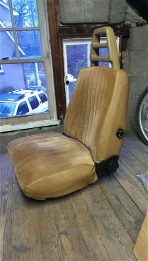 sell  front bucket seats  volvo  wagon