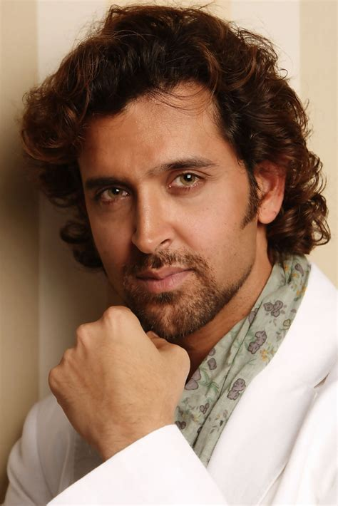 how to do hrithik hairstyle more pics of hrithik roshan medium wavy cut 13 of 18