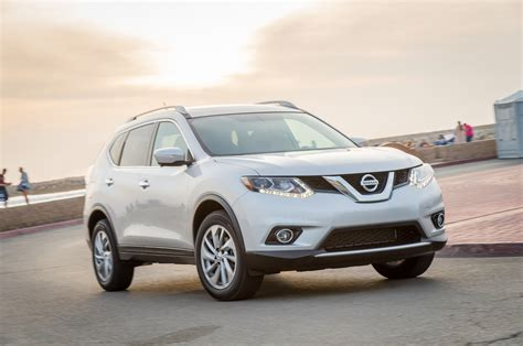 2014 Nissan Rogue Sl Awd by 2014 Nissan Rogue Sl Awd Front Three Quarter In Motion 03