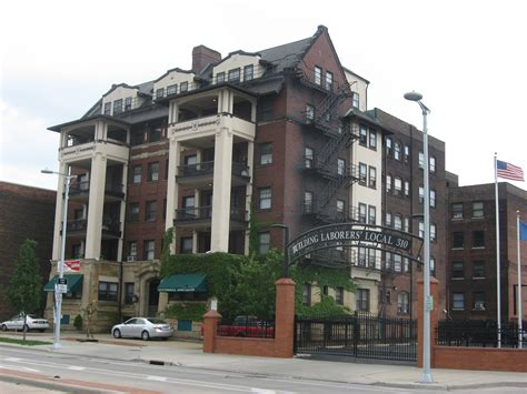 Appartments In Ohio by File Stockbridge Apartment Building Jpg