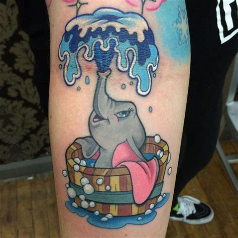 dumbo tattoo best 25 dumbo ideas on dumbo drawing