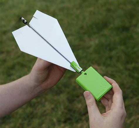 How To Make A Paper Propeller - electric propeller makes your paper airplane go further