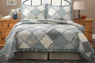 Quilts Bedspreads Raggedy Patch Quilt Bedspreads Bedding Set In Pink And Blue