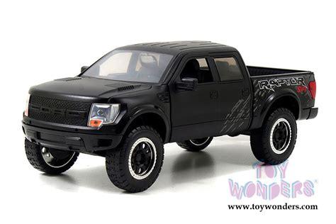 1 24 2011 Ford F 150 Svt Raptor Truck Y1313 2011 ford f 150 svt raptor 96867 1 24 scale toys bigtime kustoms wholesale diecast