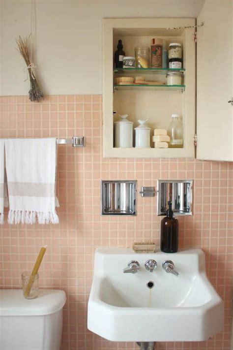 grey and peach bathroom de mooiste roze badkamers homease