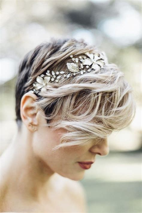 Pixie Cut Wedding Hairstyles With Veil by 25 Best Ideas About Pixie Wedding Hair On