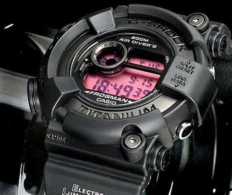 G Shock Dw 8200 B M 鈦合金錶殼加上防護用的強化橡膠 猜猜要多少錢
