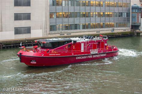 chicago fire boat joseph medill the christopher wheatley fire boat 171 chicagoareafire
