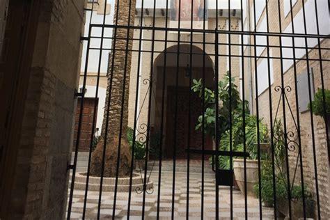 patio interior monasterio monasterio cisterciense de c 211 rdoba tratamiento humedad