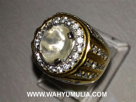 Batu Opal Cat Eye batu cincin opal cat eye kode 376 wahyu mulia