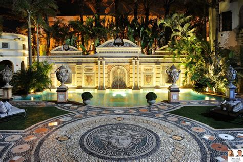 Luxury Buildings Miami Beach Quot Villa Casaurina Quot Versace Gianni Versace House South