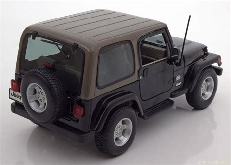 Maisto Jeep Wrangler 1 18 Maisto Jeep Wrangler Black Ebay