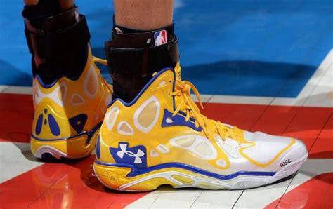 Sepatu Basket Curry sepatu basket sepatubasket influencer profile klear