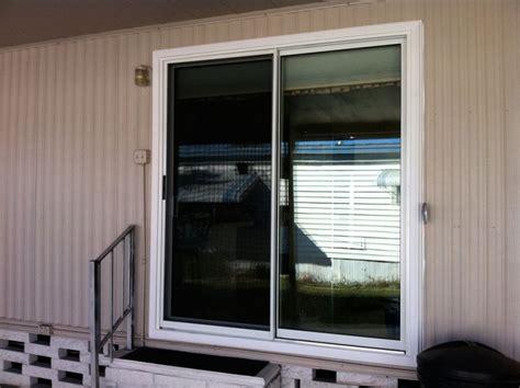 Nami Patio Doors Nami Screen Doors Reliabilt 312 Series White Aluminum Sliding Screen Door Common 60 In X 80