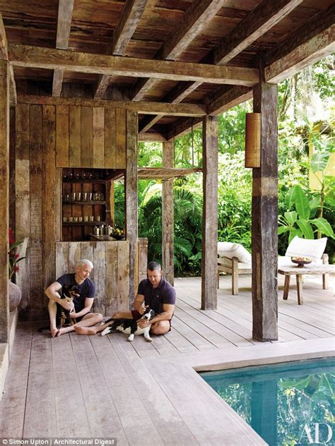 anderson cooper house cnn anchor anderson cooper shows off his brazilian vacation home daily mail online