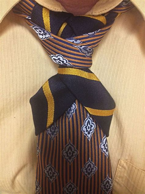 Atasan Contrast Top With Ties In A Knot Sleeves Pink 17 best images about n 243 s de gravata on tie a necktie merovingian and knots