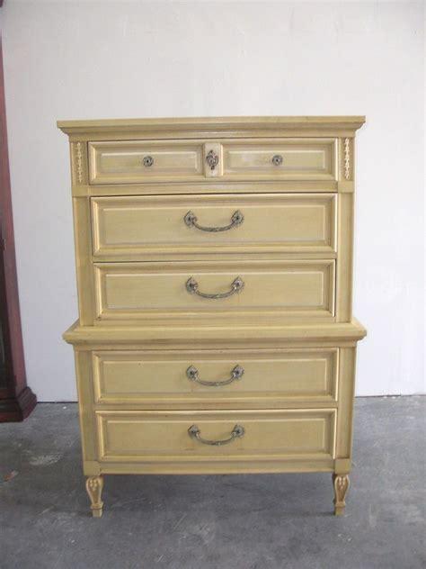 Vintage Complete Dixie Provincial Bedroom Set Dresser Vintage Dixie Furniture Co Provincial Chest On Chest Of Drawers Dresser