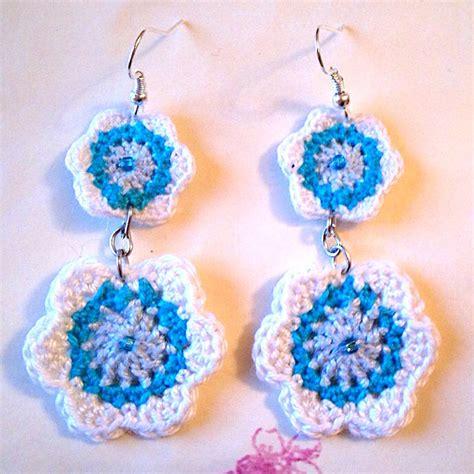 orecchini fiori orecchini pendenti fiori all uncinetto e perline