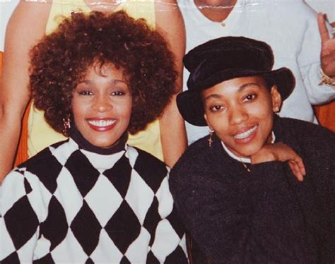robyn crawford wikipedia fbi files reveal whitney houston was blackmailed over