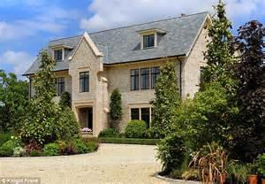 katie s house katie price eyes 163 4million nine bedroom mansion in husband