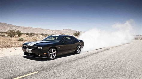 Cool Car Wallpapers 1366 78006 Homes by Dodge Challenger Srt8 392 Smoke 1366x768 Infipost
